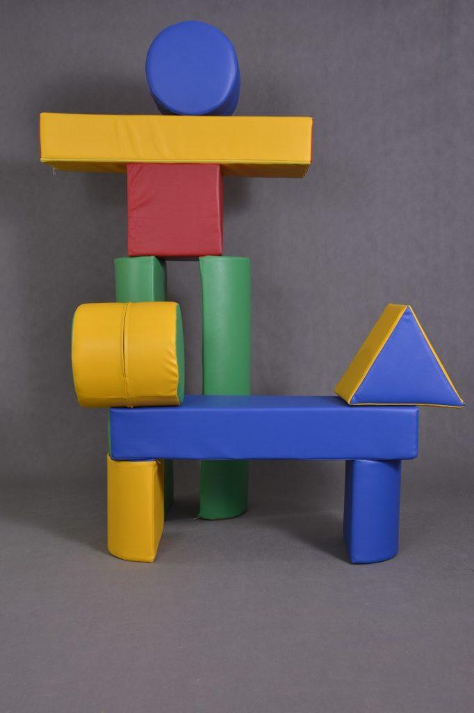 duże klocki do zabawy i budowania wykonane z pianki, giant foam building blocks, Große Bausteine zum Spielen und Bauen aus Schaum